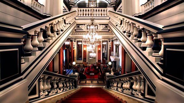 The 10 most expensive luxury hotels in the city of love for Most luxurious boutique hotels in the world