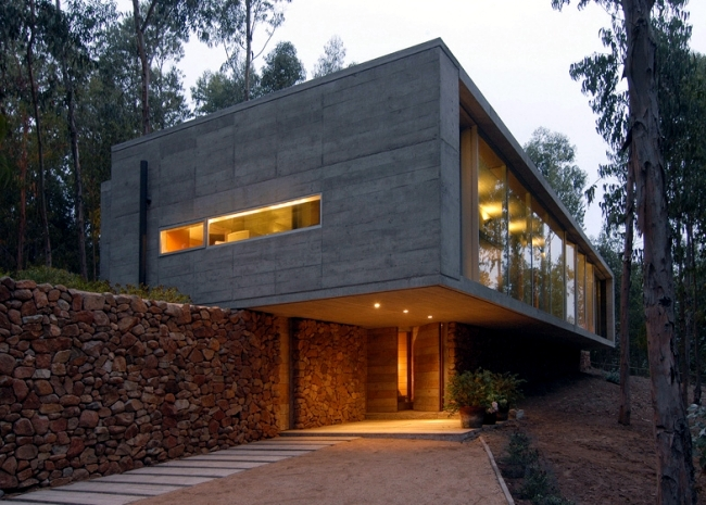 The Coach House On A Hillside Impressed With Massive