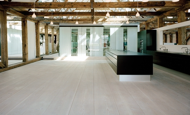 The flooring is made of wood from Dinesen is a hallmark of quality
