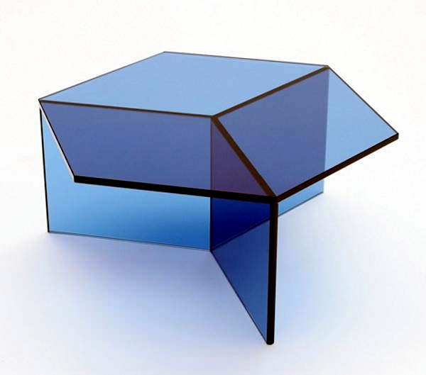 The glass side table Isom - charming design by Sebastian Scherer