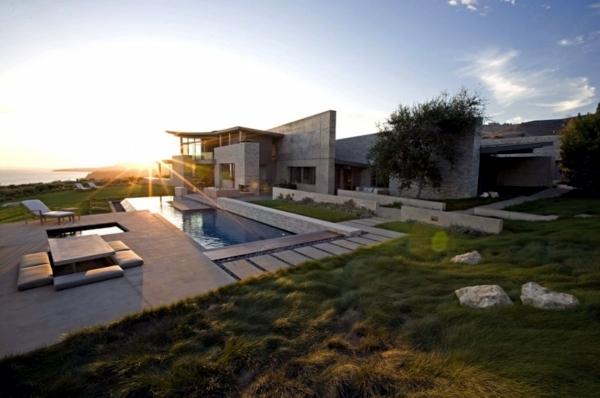 The modern coastal house built on dreams Interior Design Ideas