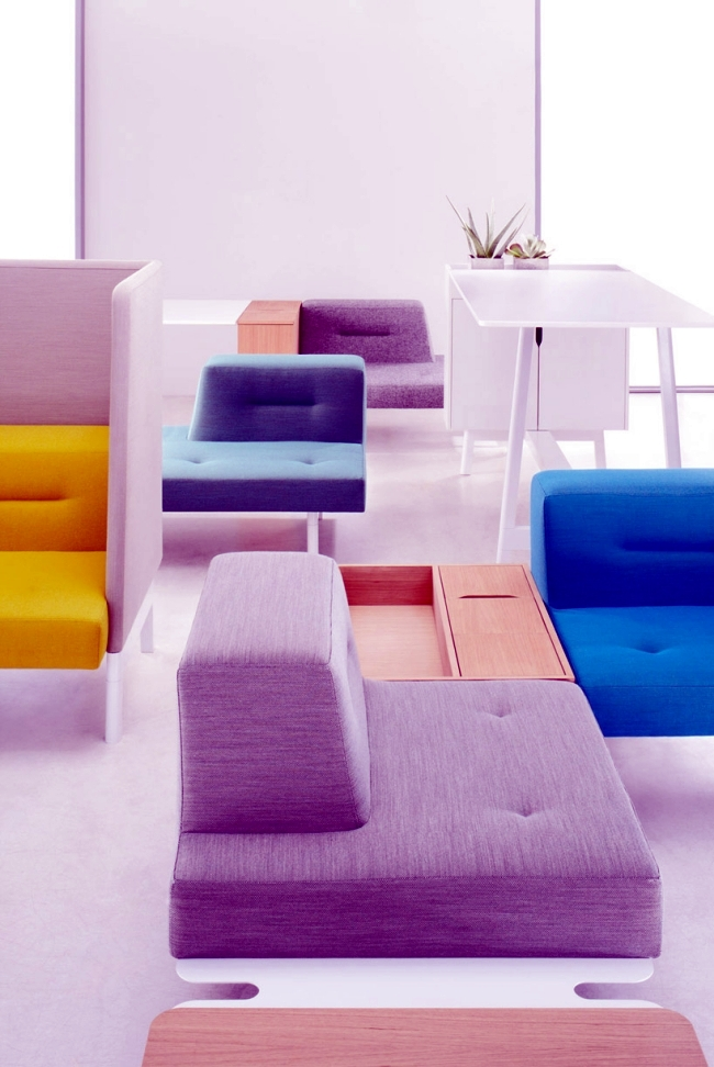 The modular furniture system docks allowed diversity in interior office