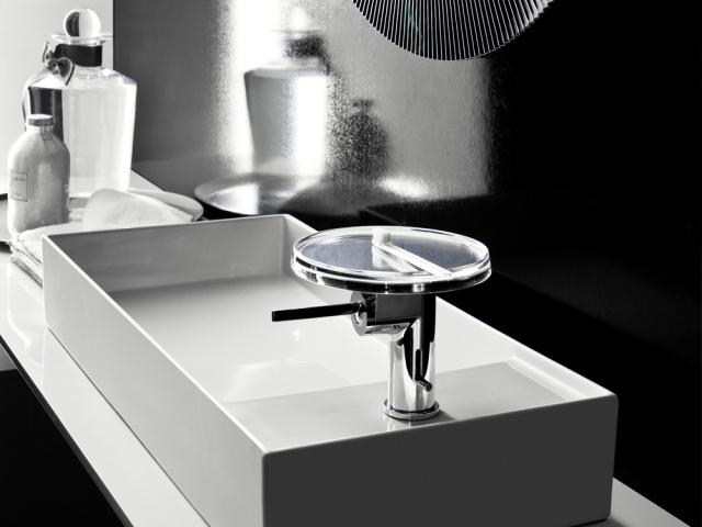 The revolutionary sapphire ceramic washbasin from Laufen