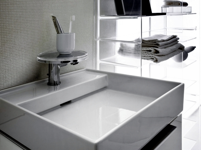 The revolutionary sapphire ceramic washbasin from Laufen