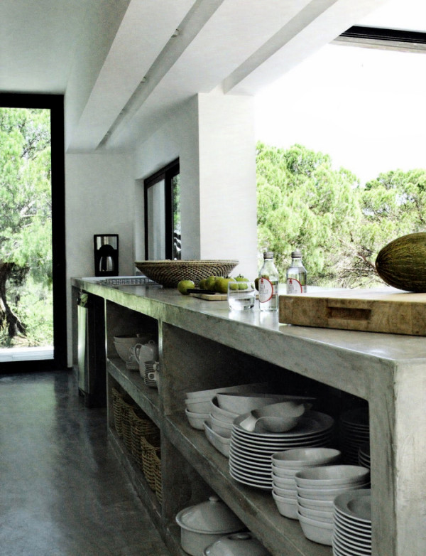 The rugged beauty of concrete - concrete wall and concrete furniture