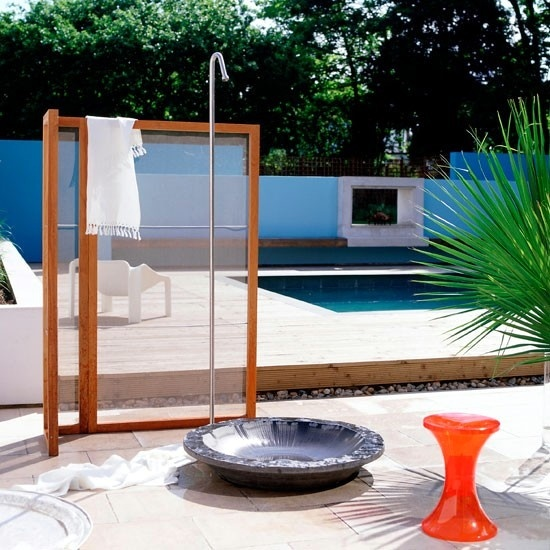 the shower for the garden solar like waterfall and with privacy