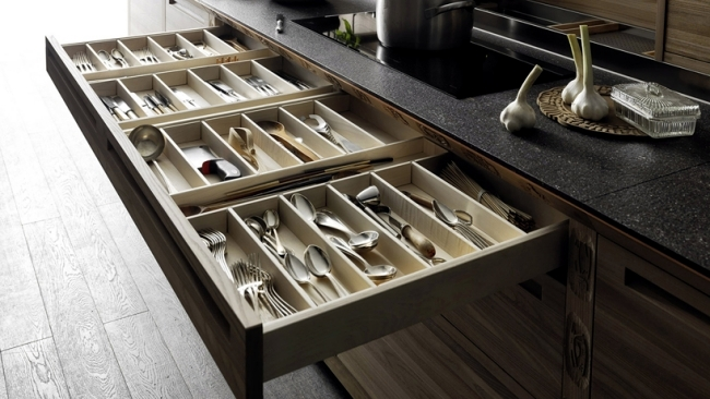 The Sinetempore designer kitchen in a traditional style from Valcucine