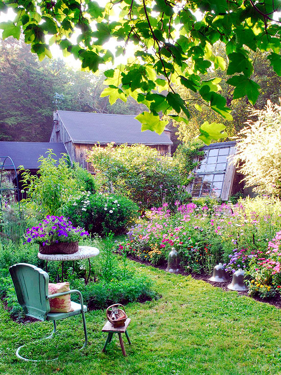 The summer garden make - evocative ideas for landscaping ...