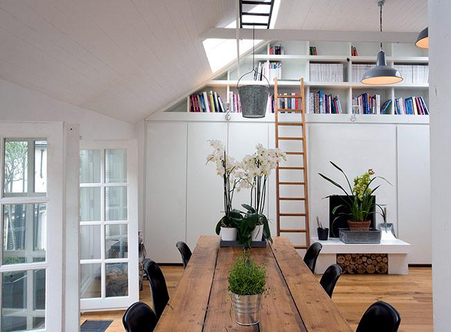 The transformation of a former garage loft