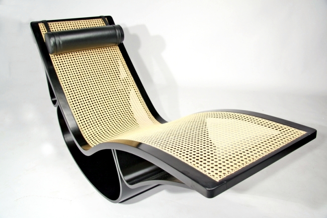 "Timeless design deck chair ""Rio"" by architect Oscar Niemeyer"