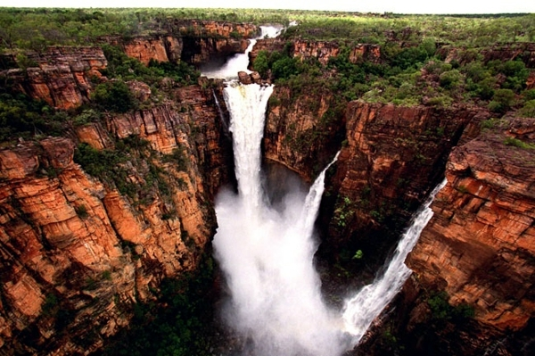 Top 10 most beautiful national parks worldwide adventure holiday destinations