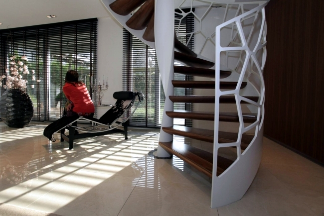 Unique design of steel banisters - Cells of EeStairs ®