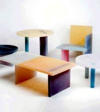 unique-furniture-design-in-colored-resin-in-a-minimalist-style-0-1702275510