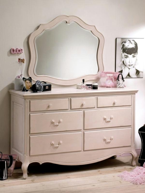 Up children - furniture for girls room from Natart Juvenile
