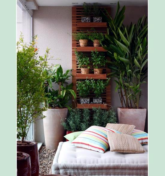 Vertical gardens and landscaping ideas for garden and for Balcony vertical garden