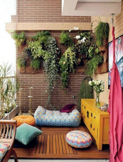 Vertical gardens and landscaping - ideas for garden and balcony
