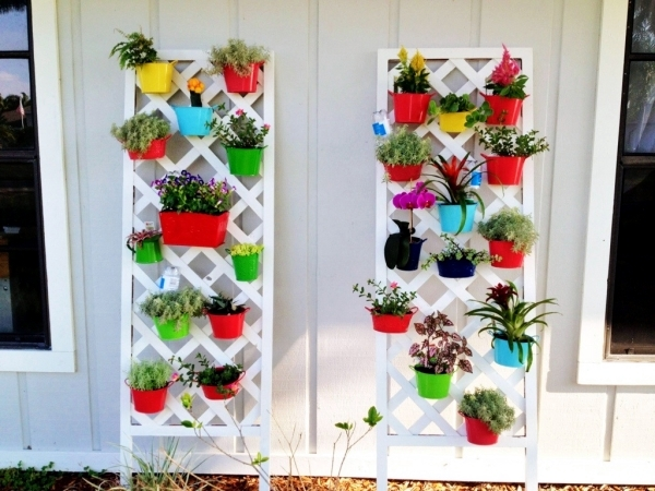 Vertical gardens and landscaping – ideas for garden and balcony ...