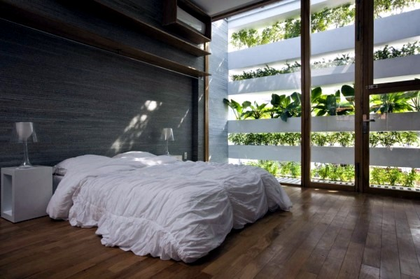 Vertical gardens inside and outside - Big Future for wall greening