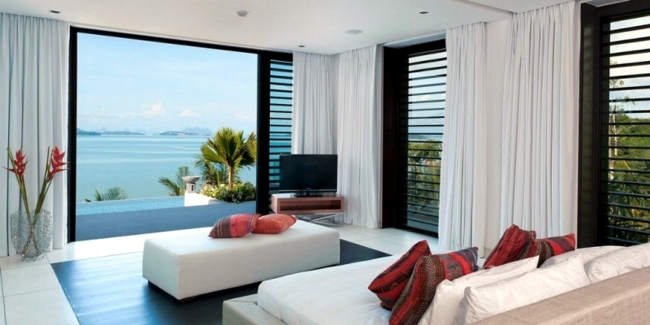 Villa on the beach in Thailand reveals the beauty of nature
