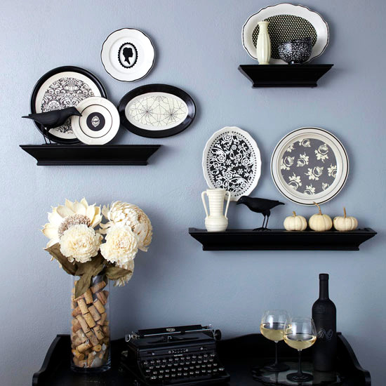Wall decoration with plates - Colorful ideas and a touch of vintage