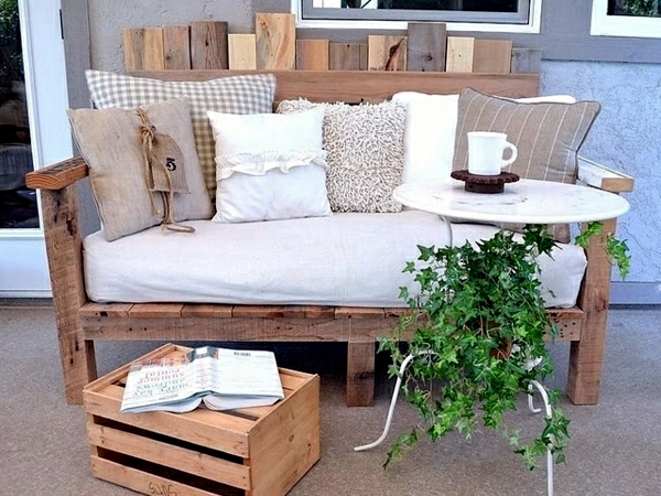 wood euro pallets furniture for garden and balcony ideas you can build yourself interior. Black Bedroom Furniture Sets. Home Design Ideas