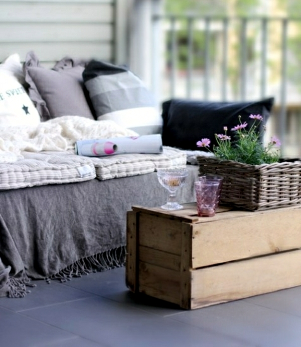 Wood euro pallets furniture for garden and balcony - ideas you can build yourself