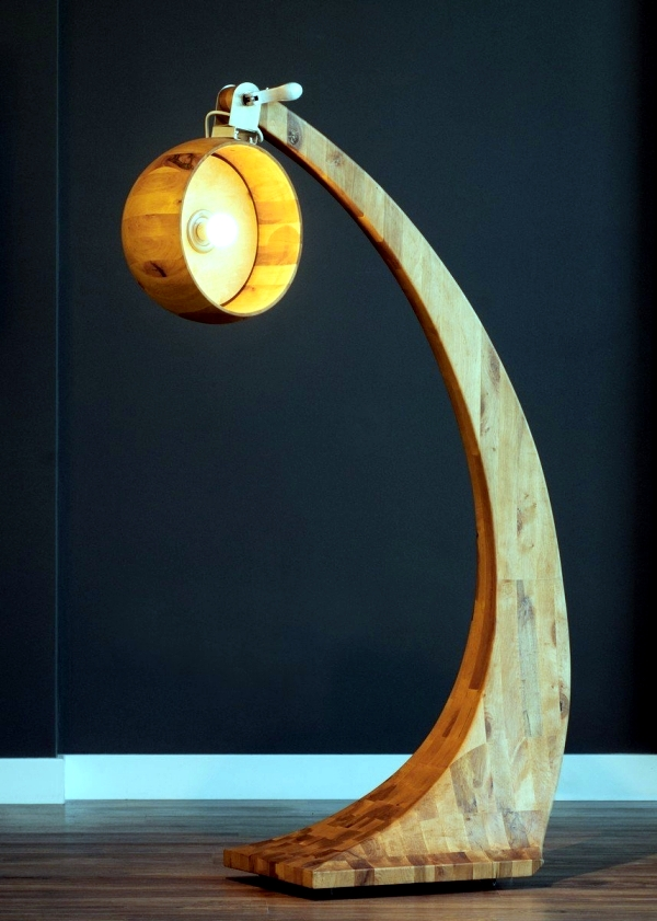 Wooden LED floor lamp with wheels - Woobia of ABADOC